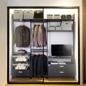 BUilt in closet 23