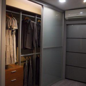 Built in closet 15